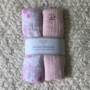 NWT Modern Baby 2 pack pink muslin blankets